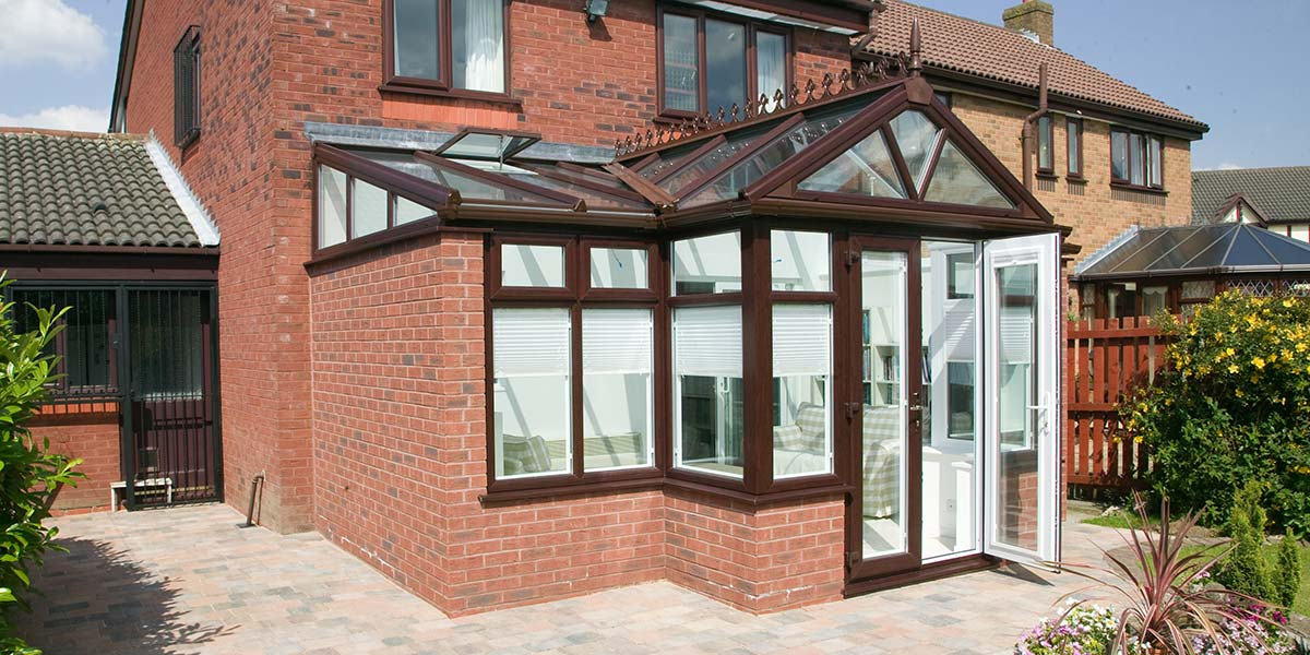 Rosewood T-Shaped Conservatory