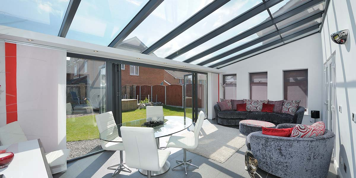 Glass-to-Floor Extension